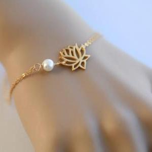 Gold lotus bracelet,Wire wrapped pe..