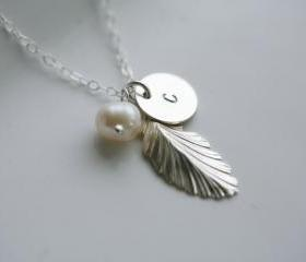Silver Feather Neckl..