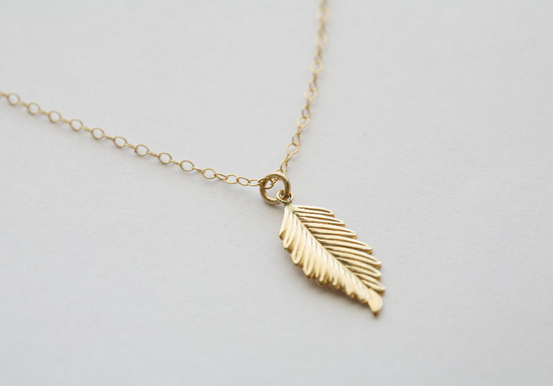 Gold Feather Necklacelayering NecklaceJennifer AnistonFall