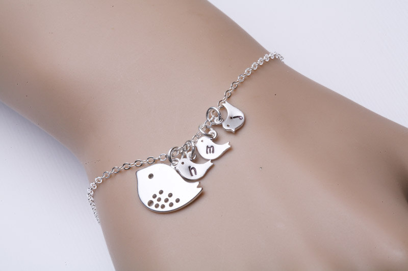 Three baby birds,bird Initial personalized Bracelet,Mother of three,bird initial,Mother jewelry,Baby bird bracelet,Mom and baby