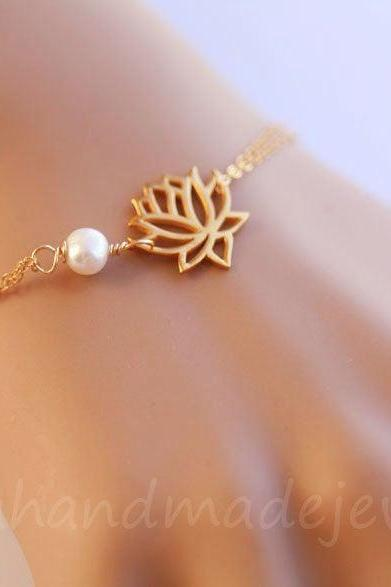Lotus Bracelet,pearl flower bracelet,Wire wrapped pearl,custom birthstone bracelet,bridesmaid gift,birthday gift,yoga jewelry,daily jewelry