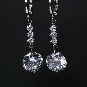 Bridal Earrings Cubic Zirconia Earrings,bridesmaid earrings,dangle earrings,wedding jewelry,Cubic zirconia earrings
