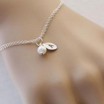 leaf initial Bracelet,Wire wrapped Pearl,Bridesmaids Gifts,Simple daily Jewelry,Birthday,sisterhood,best friends gift