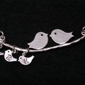 Three baby birds,bird Initial personalized Bracelet,Bird on the branch,bird initial,Mother jewelry,Baby bird bracelet,Mom and baby