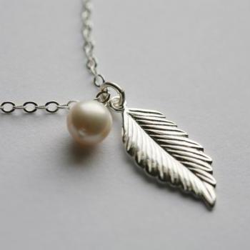Sterling silver Feather Necklace,layering necklace,Jennifer Aniston,Fall Wedding,Bridesmaid gifts,Wedding,Birthday, Everyday jewelry