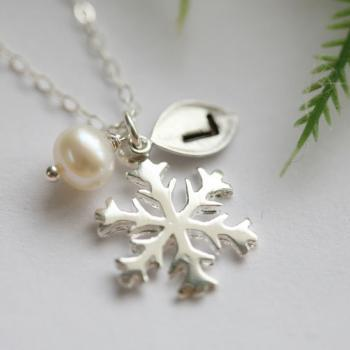 SNOWFLAKE necklace,leaf initial,Wire wrapped Pearl,WINTER WEDDING,Christmas gift,Bridesmaids Gifts,Wedding jewelry Gift