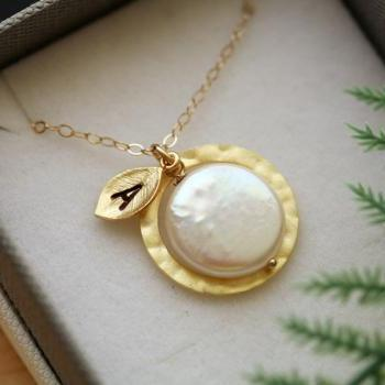 Gold circle necklace,Coin Pearl, Leaf Initial, Bridesmaid gifts,wedding jewelry,Halo necklace,Everyday jewelry